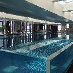 漂亮的游泳池