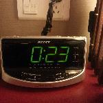 停电之后错乱的时钟,可惜拍不出闪烁效果