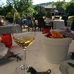 法国名酒配美景