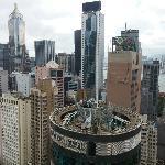 房间外可以看到香港的美景。