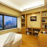 豪华行政两房式公寓-客卧