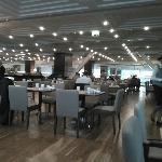 酒店餐厅 早餐很丰盛 很有食欲!