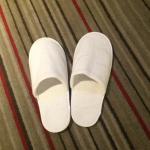 这是酒店的拖鞋~��住过很多五星级酒店这拖鞋~这质量~简直无语啦!