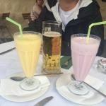 啤酒,草莓奶昔,芒果奶昔
