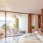 Dali Munwood  lakeside Holiday Hotel