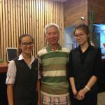 就是这位Lim小姐和她的同伴处处从客人需求考虑,服务周到
