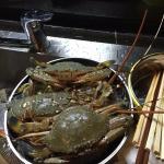 在套房里做海鲜大餐