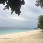 马达京岛 椰树白沙,浪花朵朵,浮潜时遇到的各种热带鱼海龟海兔,干净的岛屿,周到的服务,美到相机也不能还原所见所感,恍若梦境
