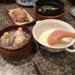 南京大排档里有很多南京特色小吃,人很多,但上菜速度也快,来南京必须去的一家餐馆