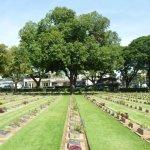 Photo de Cimetière militaire de Kanchanaburi