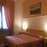 Hotel Fiorita resmi