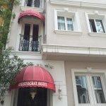 Photo de Aristocrat Hotel