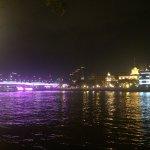这是珠江边的滨江路