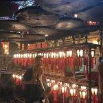 香港,有个荷里活;荷里活,有座文武庙;知荷里活者,应知文武庙。