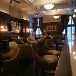 Bild från Long Bar at Waldorf Astoria Shanghai on the Bund