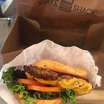 صورة فوتوغرافية لـ Shake Shack