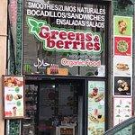 Greens & Berries Foto
