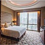 非常棒的酒店,前台高效专业热情,视野位置都非常好。服务周到亲切,推荐入住