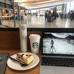 Bilde fra Starbucks Oslo Lufthavn