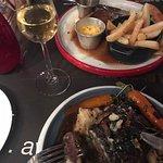 Foto van Scarlett Café & Wine Bar