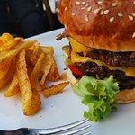 Mengoli Burgers Steak Fries resmi