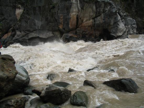 Tiger Leaping Gorge (Hutiao Xia): 虎跳峡