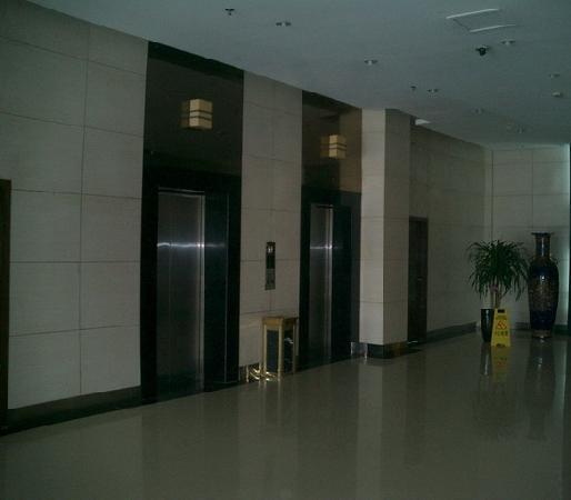 Jingfu Hotel: 内景1