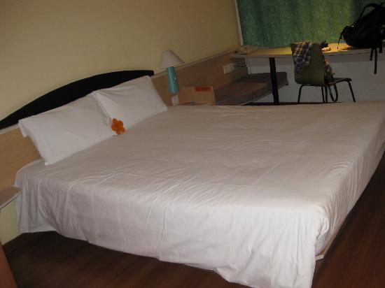 Hotel Ibis Xi'an: 床很大,我喜欢