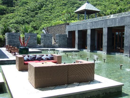 Mandarin Oriental, Sanya: 大堂旁的酒吧