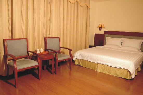 เฮงดอง โฮเต็ล: 豪华大床房