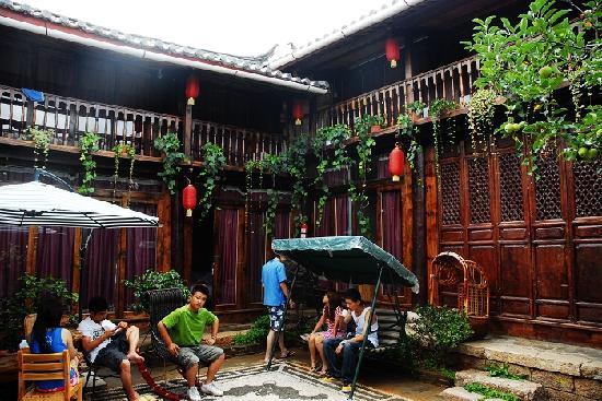 Photo of Naxi Net Inn Main House Lijiang