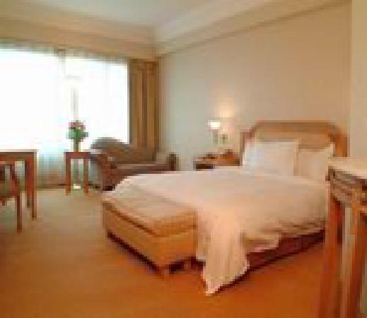 Furama Nanshan Garden Hotel: 房间