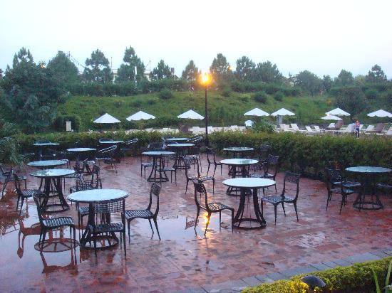 Hyatt Regency Kathmandu : 露天餐厅