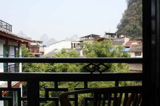 Yangshuo Friend Hotel: 阳台的景色