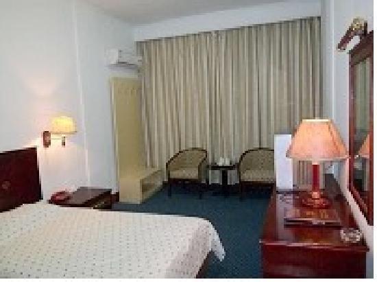 Marine Hotel: 1