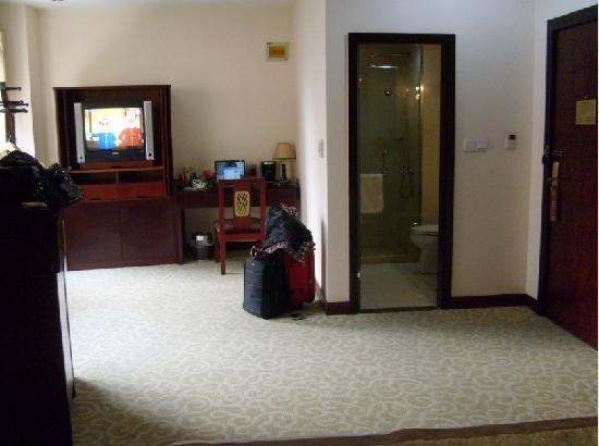 Regius Exhibition Hotel : 房间都很大,设施都还算是简单齐全吧