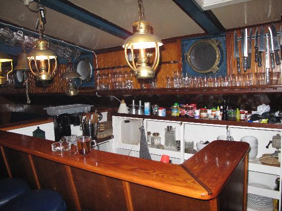 Klipper Zwadde: 船舱内小酒吧不错