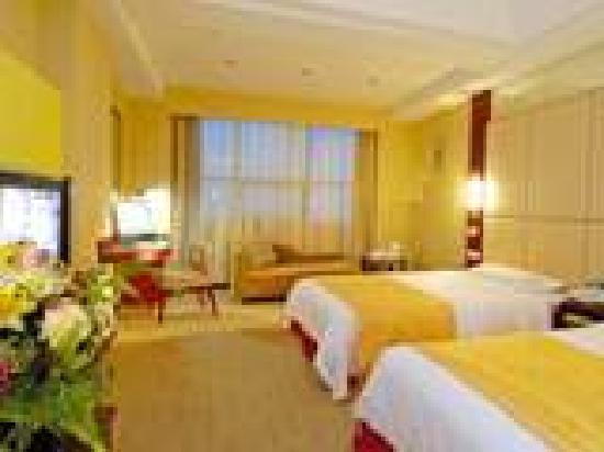 Xinlong Hotel: 12