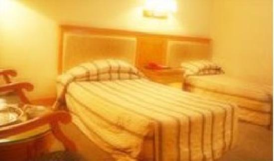 Guangwu Hotel: 32