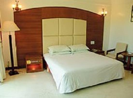 Xinglong Hot Spring Jinri Hotel