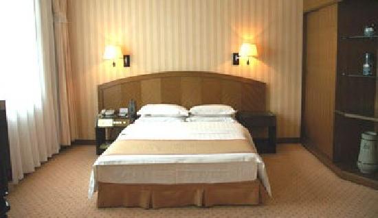 Qufu Ying Hotel: sq