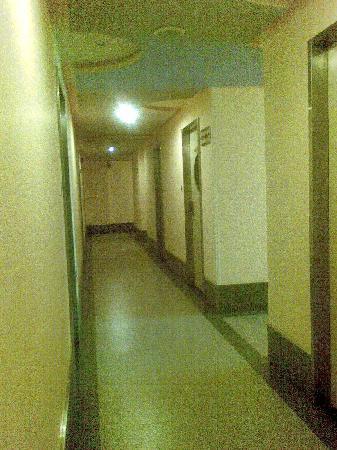 Motel Yotel QQ (Jinhua Yangguang Road) : 酒店走廊