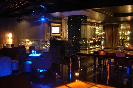 Seaview Garden Hotel: 蓝吧特写之一.Blue Bar-1
