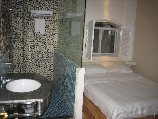 Jiangjinlou Hotel : 普通大床房