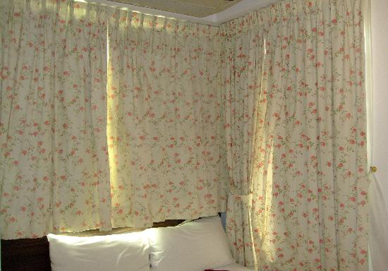 Bridal Tea House Hotel Hung Hom Gillies Road: very small