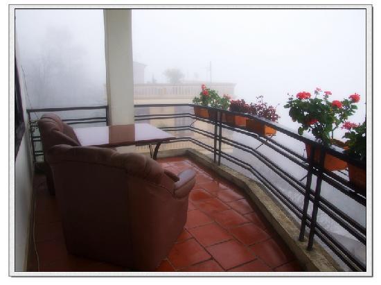 Cosiana Hotel Sapa: Sapa Emotion Hotel客房阳台