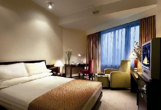 City Hotel Shanghai: 豪华大床房