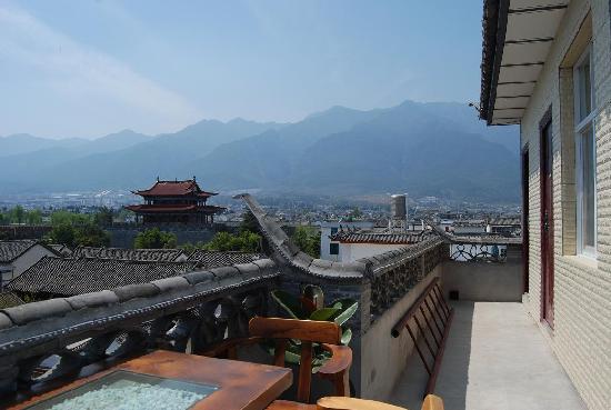 Linxi Hostel: 顶楼露台