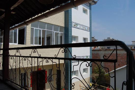 Linxi Hostel: 二楼走廊