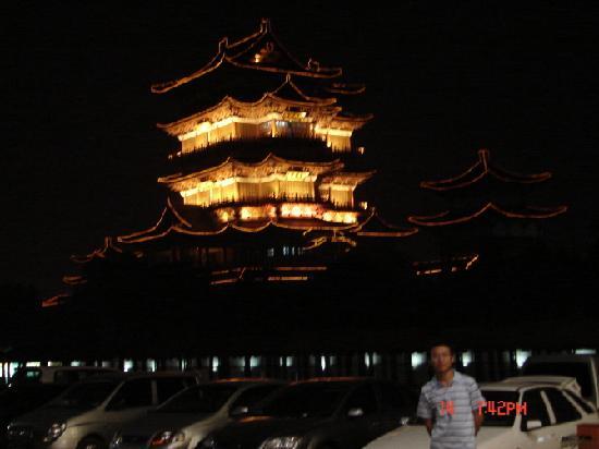 Tengwang Pavilion: 滕王阁